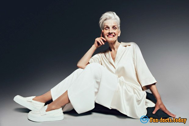 Fashion Age:  70-years-old Model of L`Officel