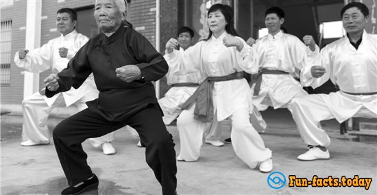 Meet the 93-year-old grandmother -  Master of Kung Fu