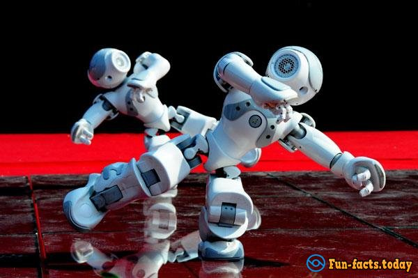 Funny Robots danced the Running Man