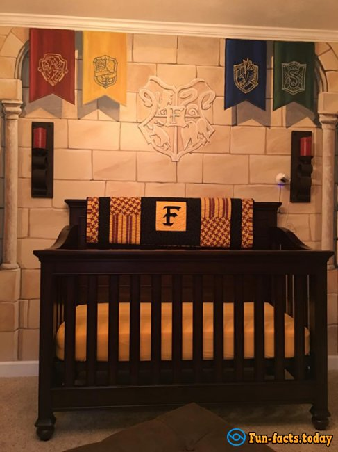 Father Made Bedroom for Son in Harry Potter Style