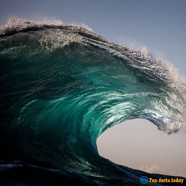Australian Photographer Makes Amazing Photo Of Waves
