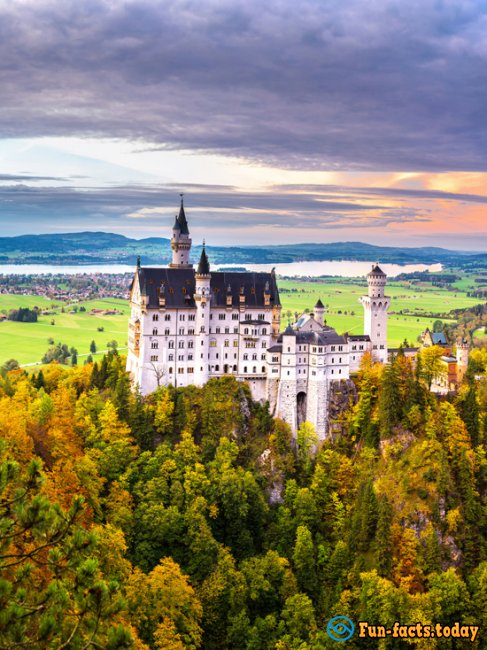 Most Romantic Palaces and Castles of the World Where You Can Feel Like a Princess