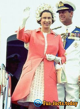 Royal Closet: How Changed The Style Of Queen Elizabeth II For 90 Years