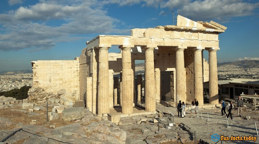 10 interesting facts about the acropolis which you did not know