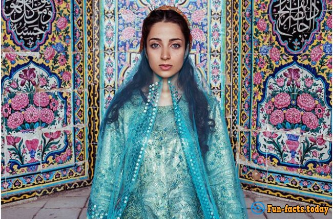Beauty Knows No Boundaries: Awesome Photo Project Beauty Girls From All Over the World